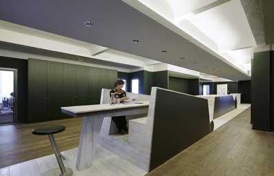 دیزاین-(design)-و-مدیریت-(management)--