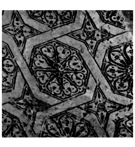 جزئیات کار شده برگرفته از جذر دو در مسجد جامع فرومد،